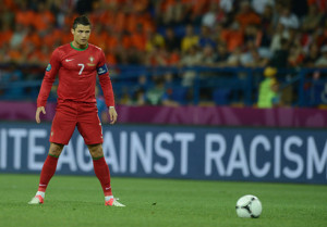 cristiano-ronaldo-520-posing-stance-in-a-free-kick-at-the-euro-2012